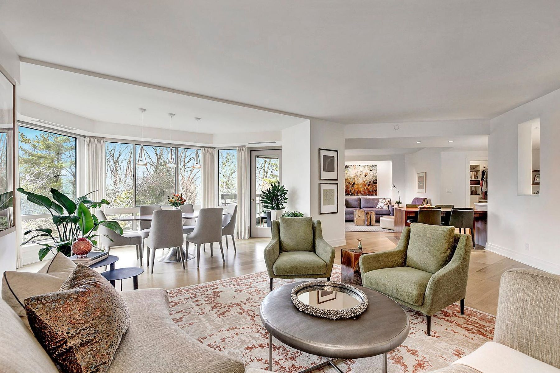 Condominiums por un Venta en 5600 Wisconsin Ave #402 Chevy Chase, Maryland 20815 Estados Unidos