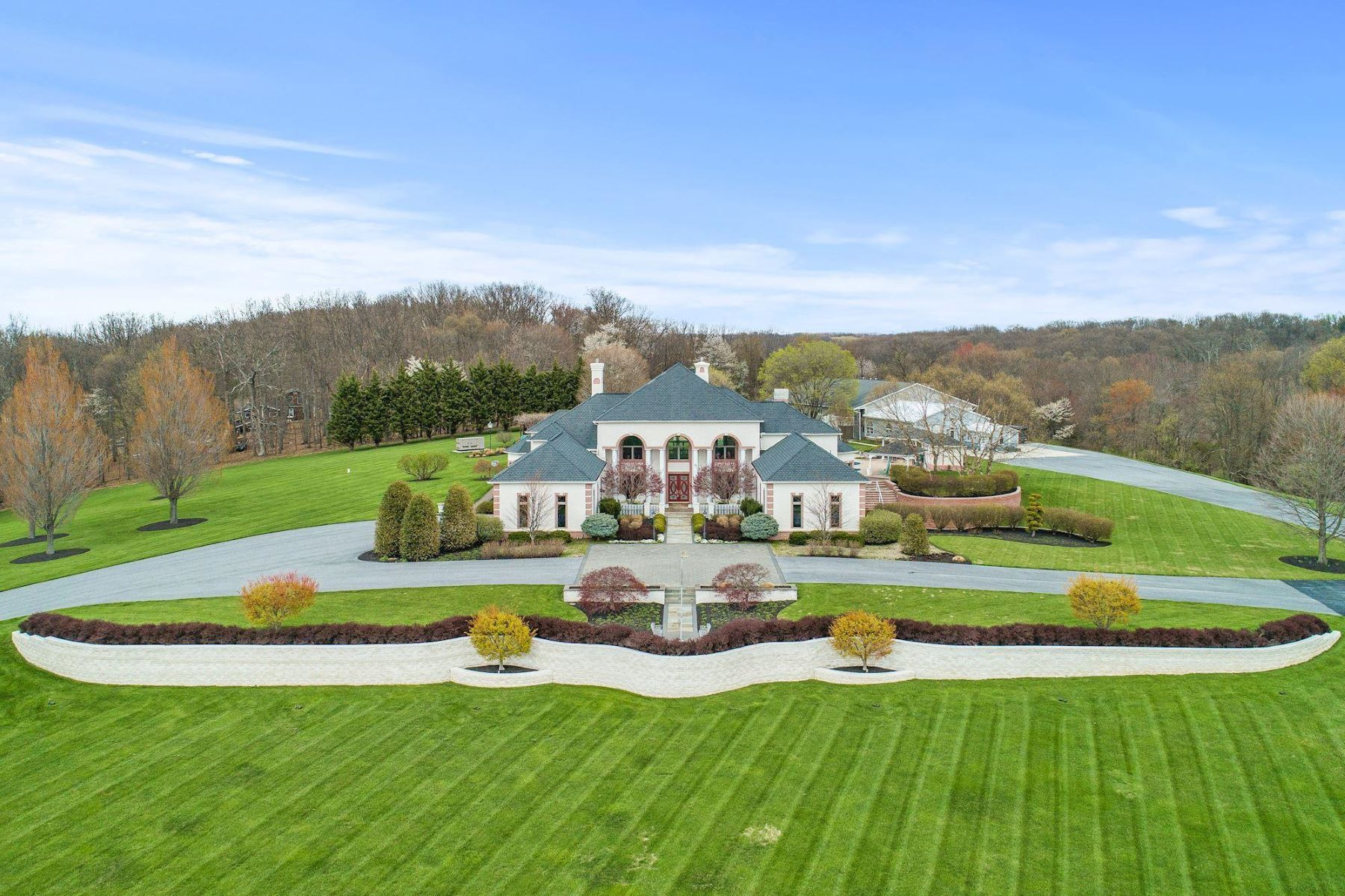 Single Family Homes for Sale at 13156 Old Annapolis Rd Mount Airy, Maryland 21771 United States