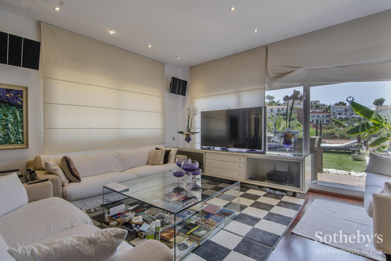 Einfamilienhaus für Verkauf beim Luxury house in the development of Montgavina Sitges, Barcelona 08870 Spanien