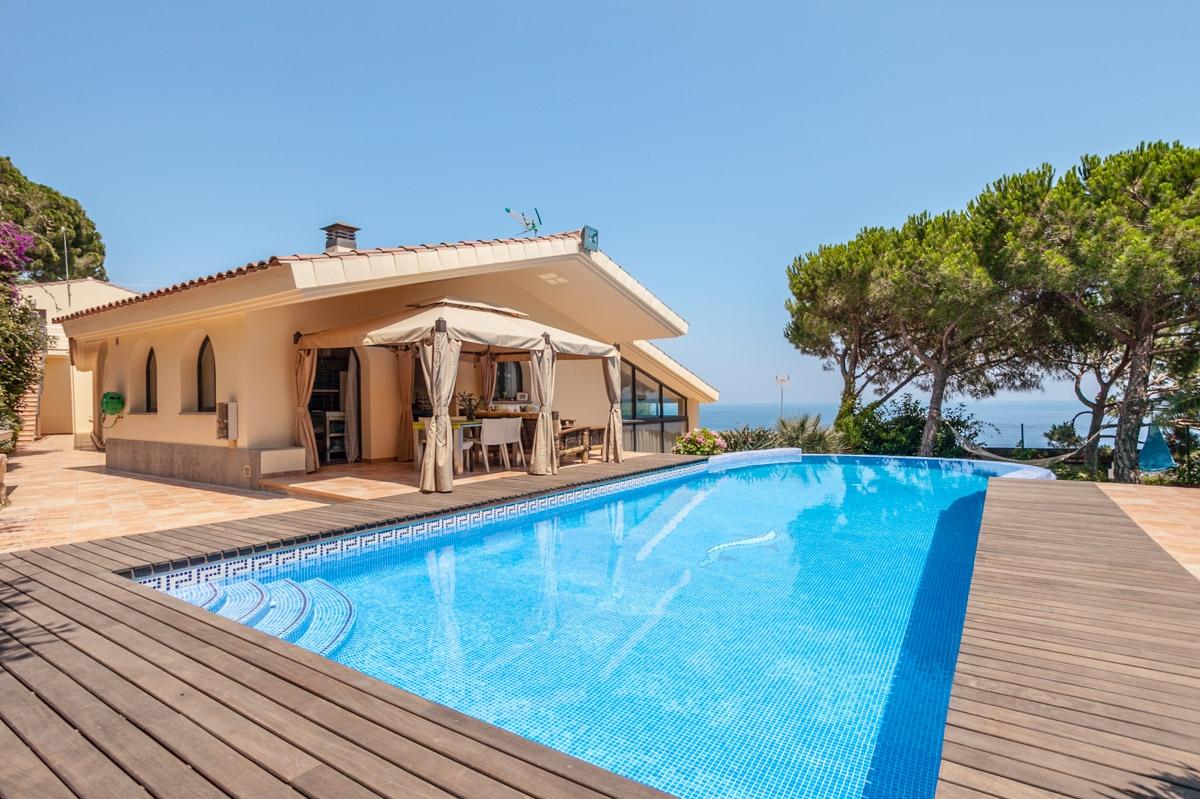 獨棟家庭住宅 為 出售 在 Beautiful house with sea views Sant Feliu De Guixols, Costa Brava 17220 西班牙