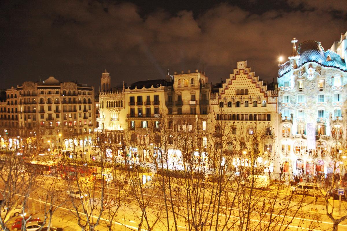 アパート のために 売買 アット Opulent Property on Paseo de Gracia Facing Casa Batlló Eixample, Barcelona City, Barcelona 08007 スペイン