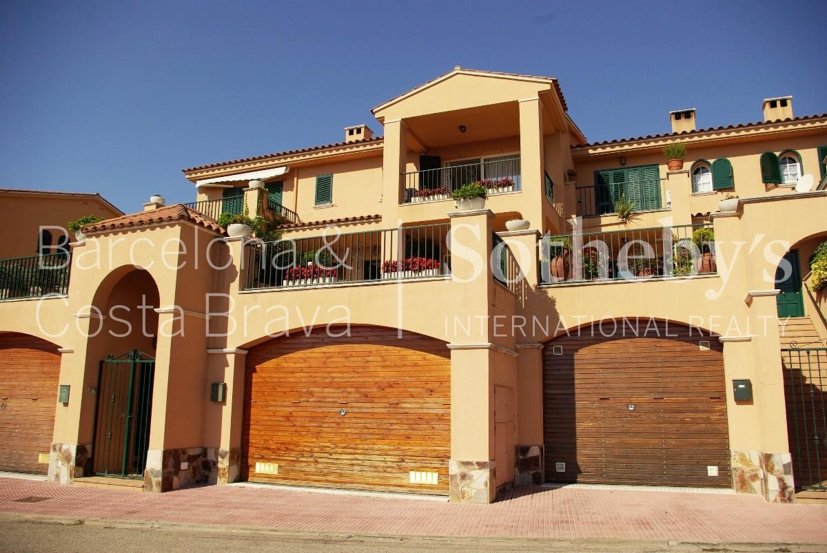 Additional photo for property listing at Terraced house 600 meters from the beach of S'Agaró  S'Agaro, Costa Brava 17248 Spain