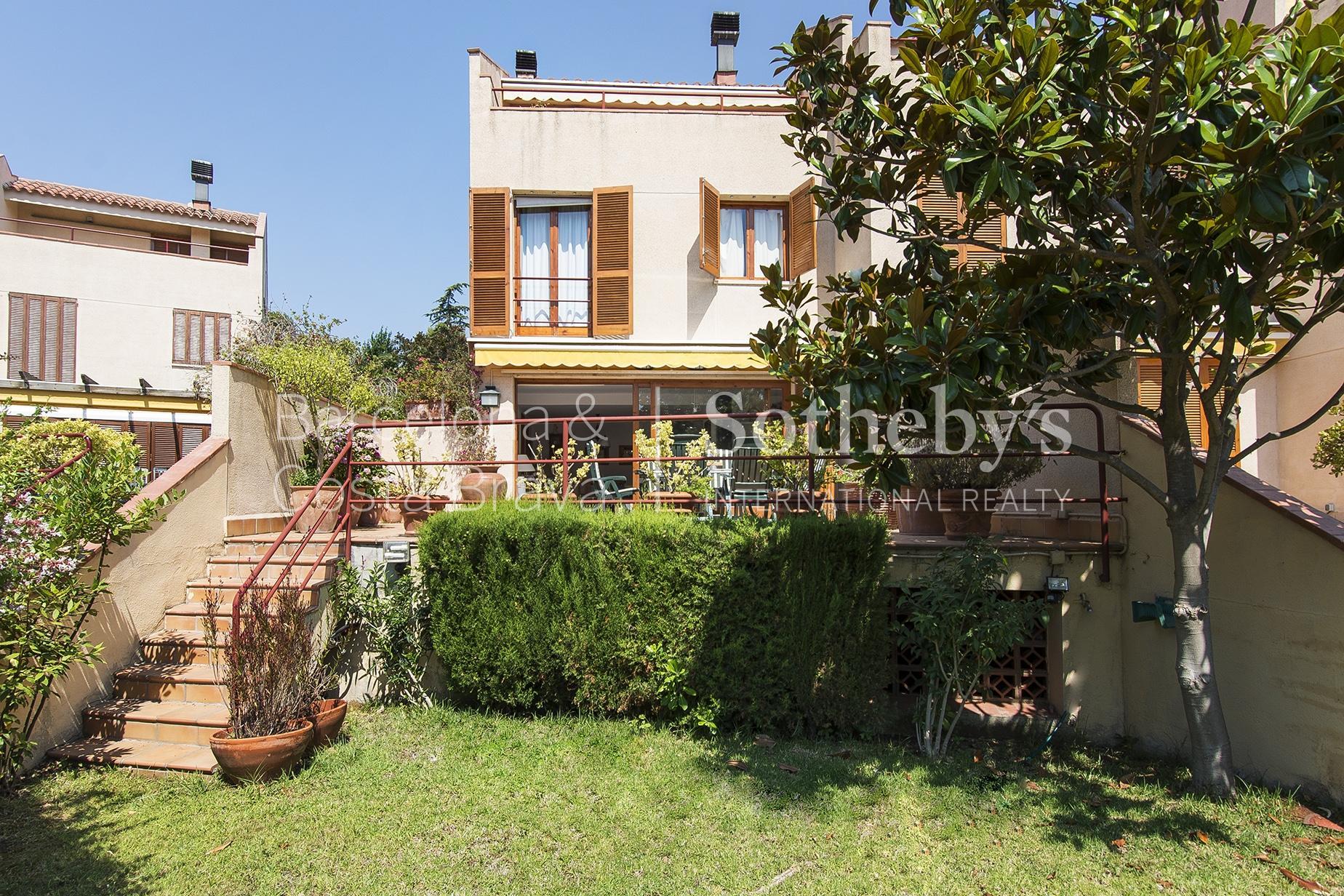 단독 가정 주택 용 매매 에 Fantastic terraced house 50 metres from the beach at S'Agaró S'Agaro, Costa Brava 17248 스페인