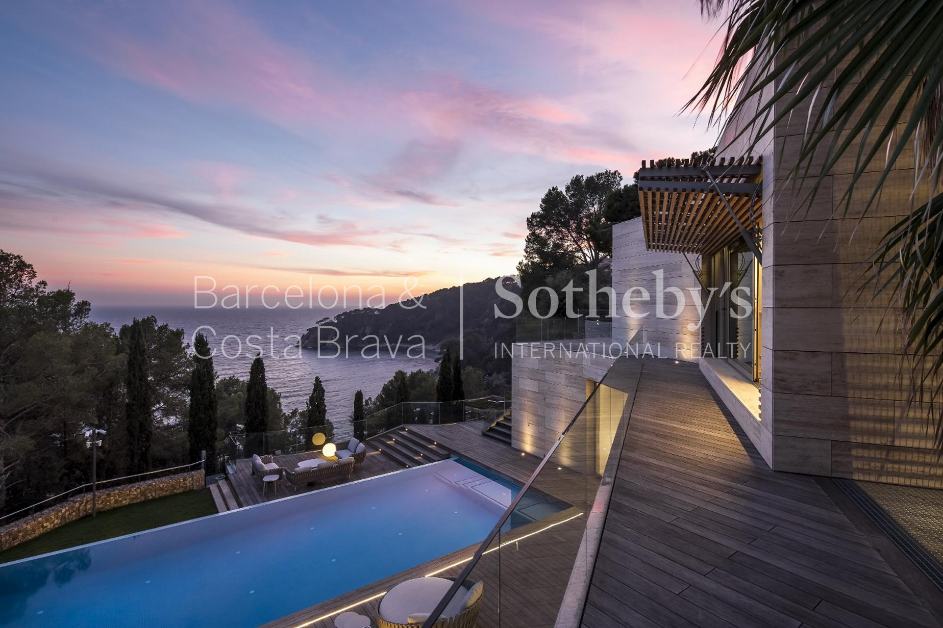 단독 가정 주택 용 매매 에 Spectacular villa close to the beach Tossa De Mar, Costa Brava 17320 스페인