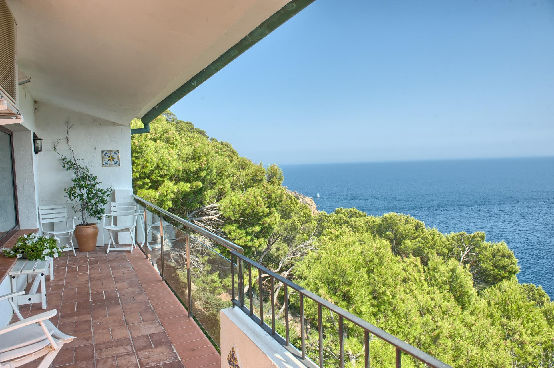 Moradia para Venda às Charming sea front villa with unique views Begur, Costa Brava, 17255 Espanha