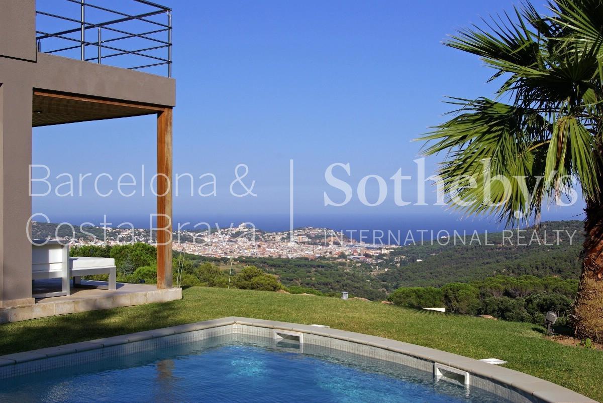 Casa Unifamiliar por un Venta en Designer villa with spectacular sea views Sant Feliu De Guixols, Costa Brava 17220 España