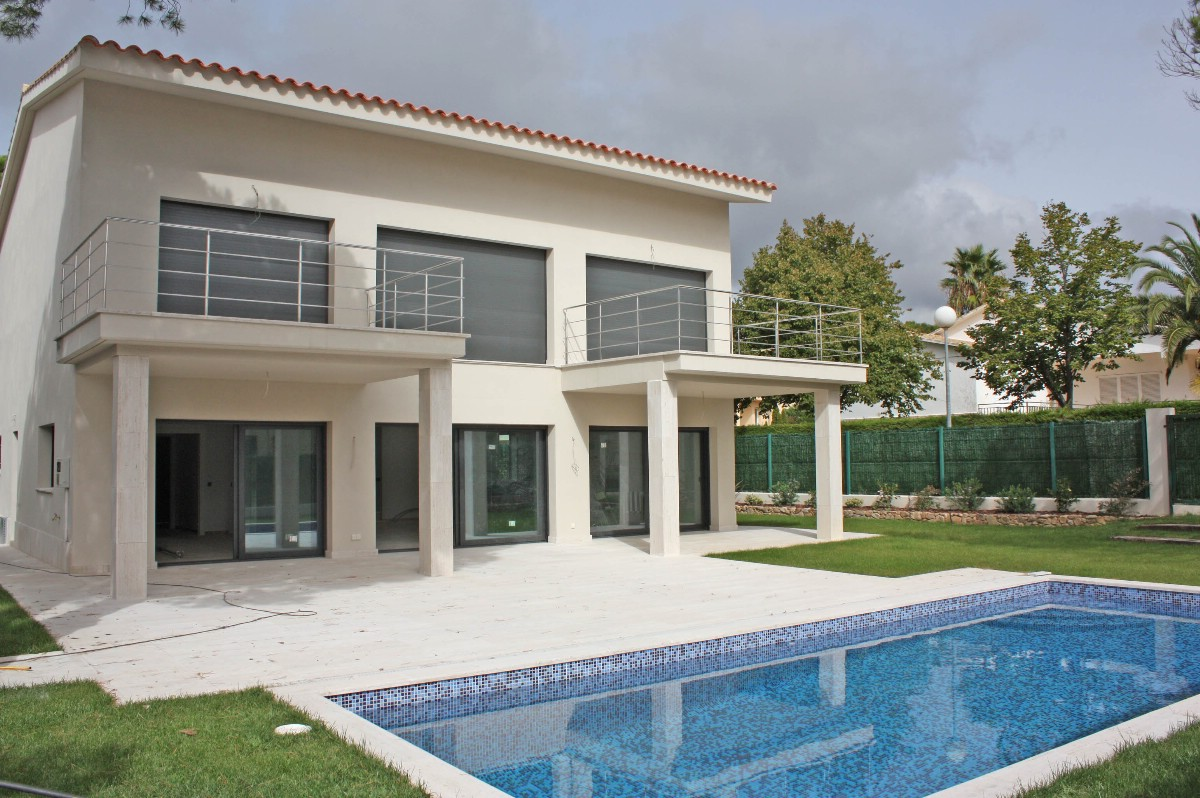 Single Family Home for Sale at Brand new villa for sale 900 m from the beach of S'Agaró S'Agaro, Costa Brava 17248 Spain