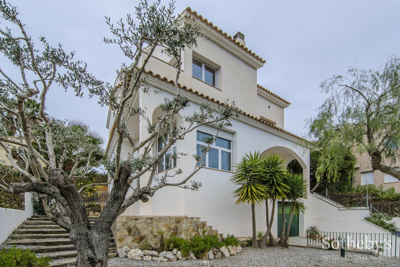 Einfamilienhaus für Verkauf beim Single family house in the Vallpineda development, Sitges Sitges, Barcelona 08870 Spanien
