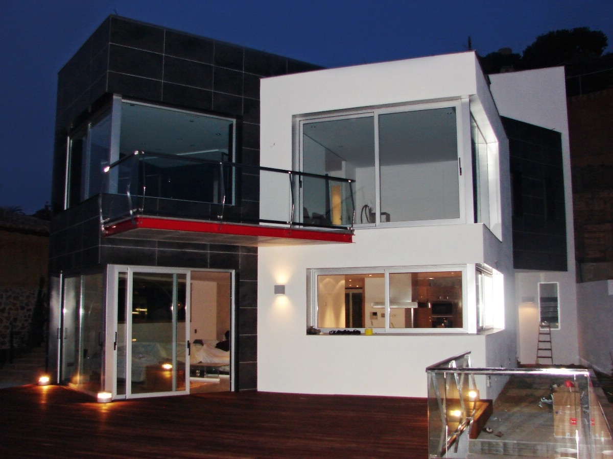 Single Family Home for Sale at Villa with home automation within walking distance from the port Other Spain, Other Areas In Spain, 17300 Spain