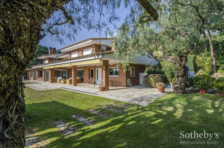Einfamilienhaus für Verkauf beim Luxury and Privacy in Supermaresme Sant Andreu De Llavaneres, Barcelona 08392 Spanien