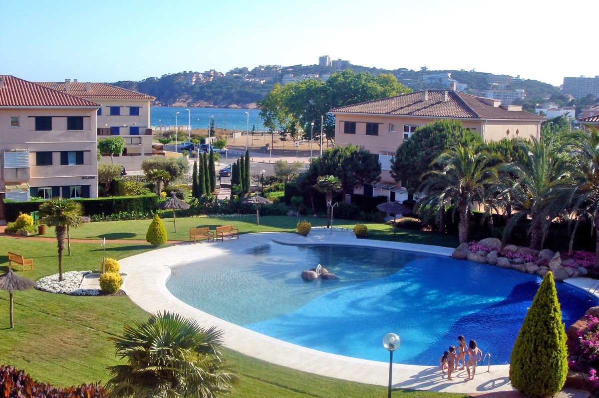Single Family Home for Sale at Terraced house near the beach with sea views S'Agaro, Costa Brava, 17248 Spain