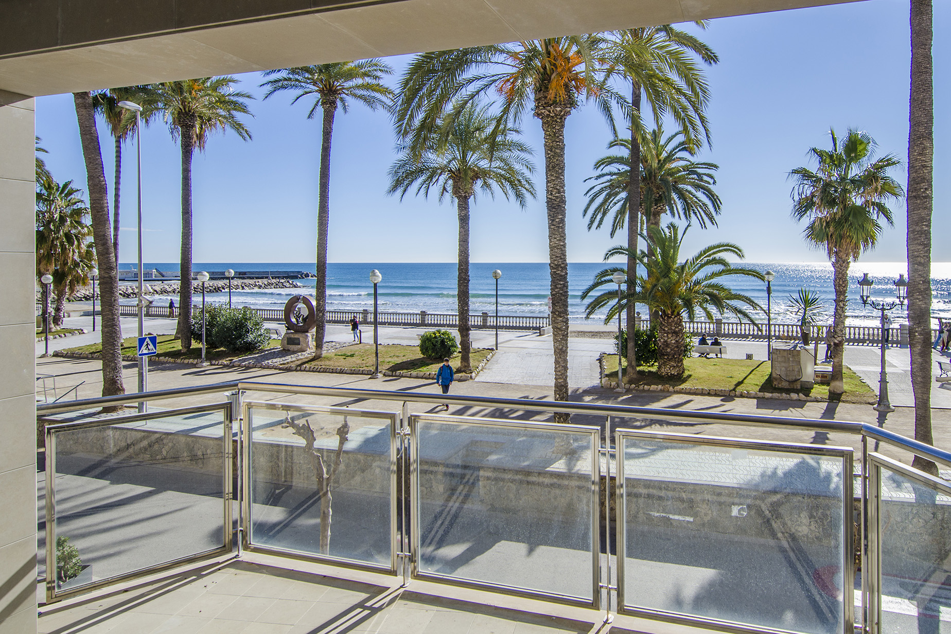 Appartement pour l Vente à Fantastic apartment in front of the Sitges beach Sitges, Barcelona, 08870 Espagne