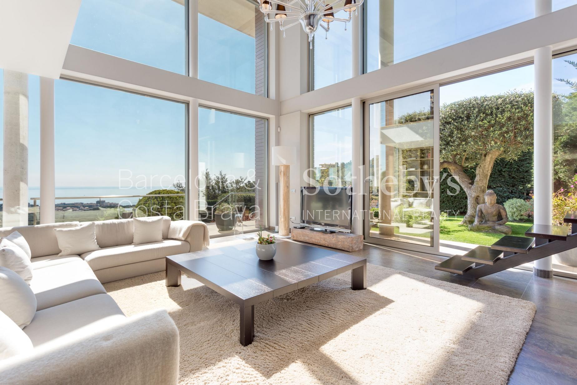 Property For Sale at Modern house with panoramic sea views