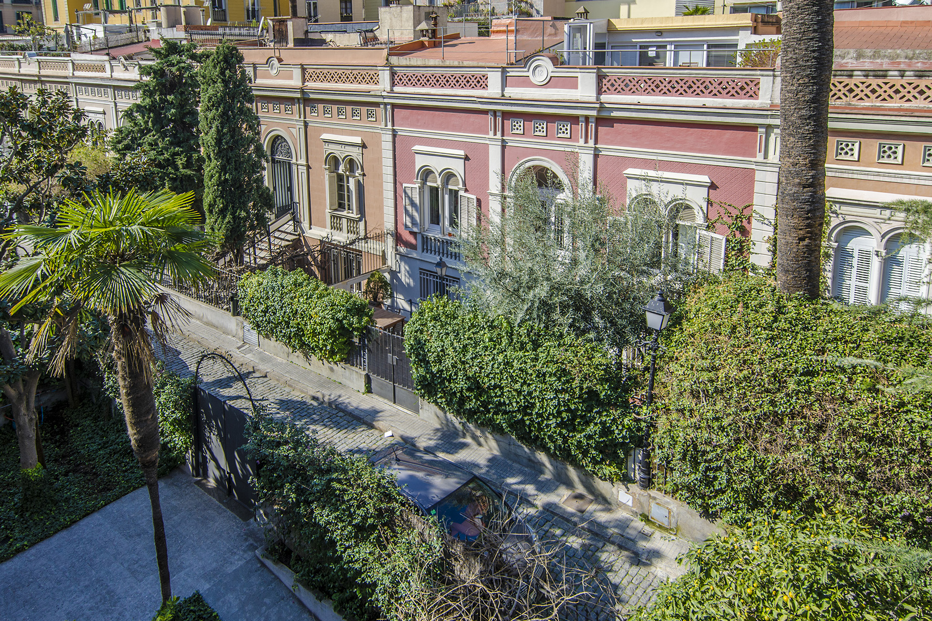 Single Family Home for Sale at Magnificent house with private garden in an exclusive passage in L'Eixample ... Eixample, Barcelona City, Barcelona, 08007 Spain