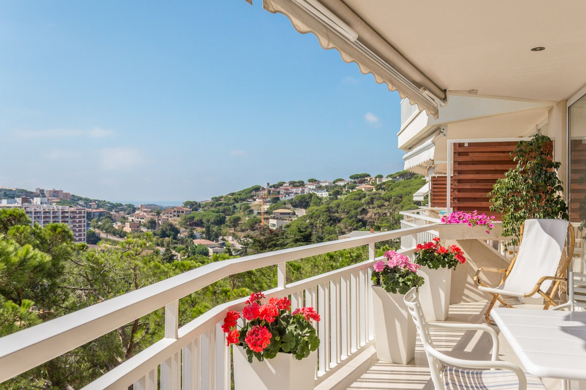 Apartment for Sale at Apartment with lovely views near the beach S'Agaro, Costa Brava, 17248 Spain