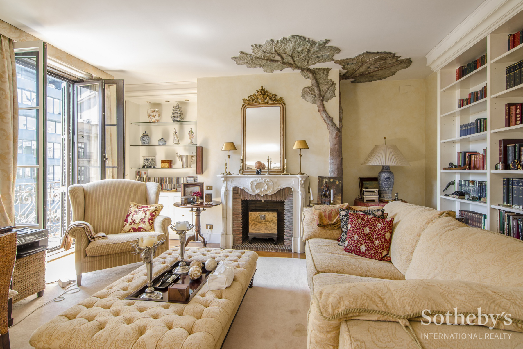 Apartment for Sale at Elegant and Spacious Flat in a Regal Building in Right Eixample Eixample, Barcelona City, Barcelona 08007 Spain
