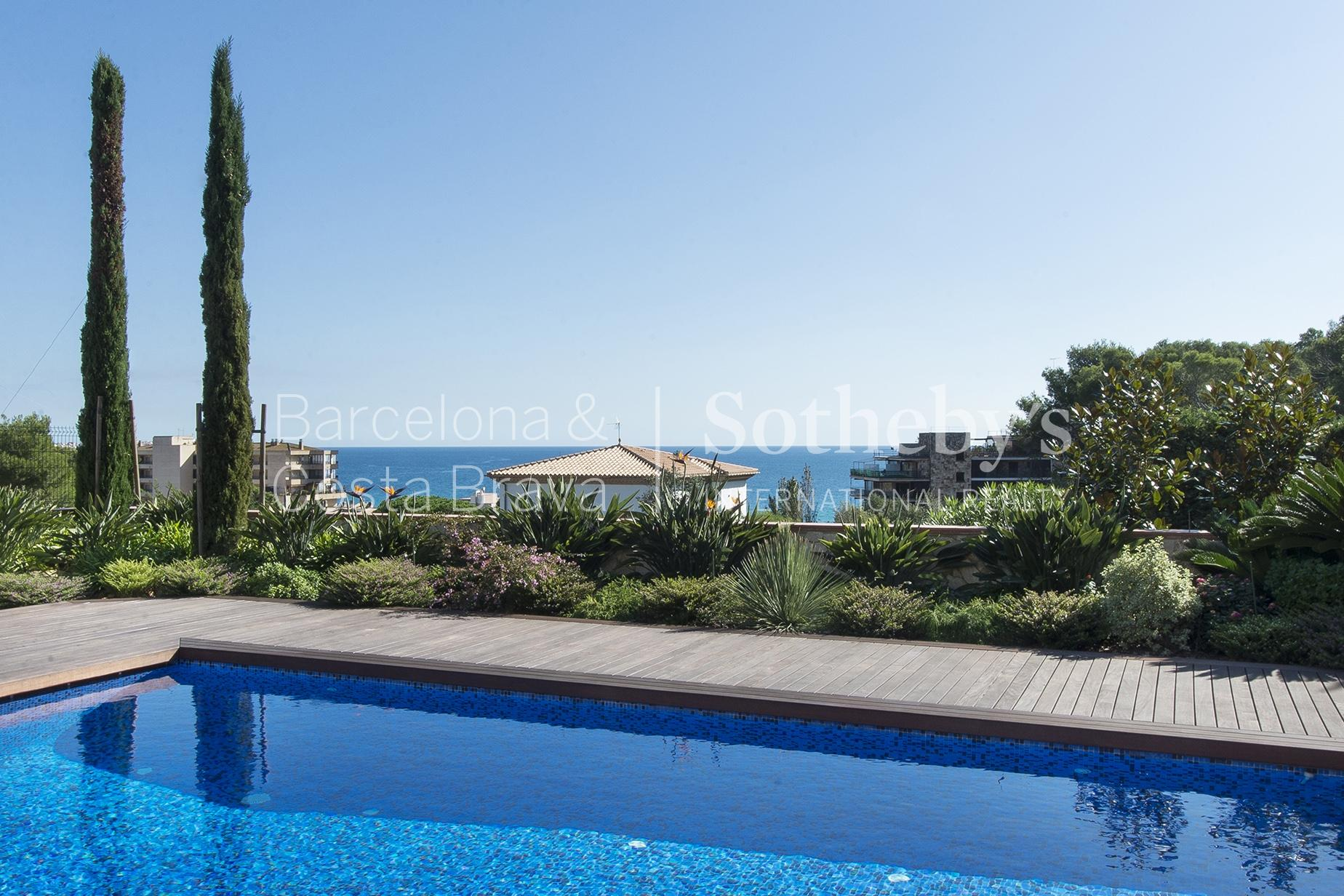 Property For Sale at Villa in Torre Valentina with sea views