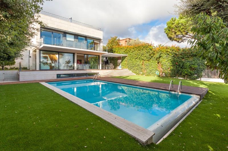 Maison unifamiliale pour l Vente à Contemporary Designer Villa with Sea Views in San Berger Teia, Barcelona 08329 Espagne