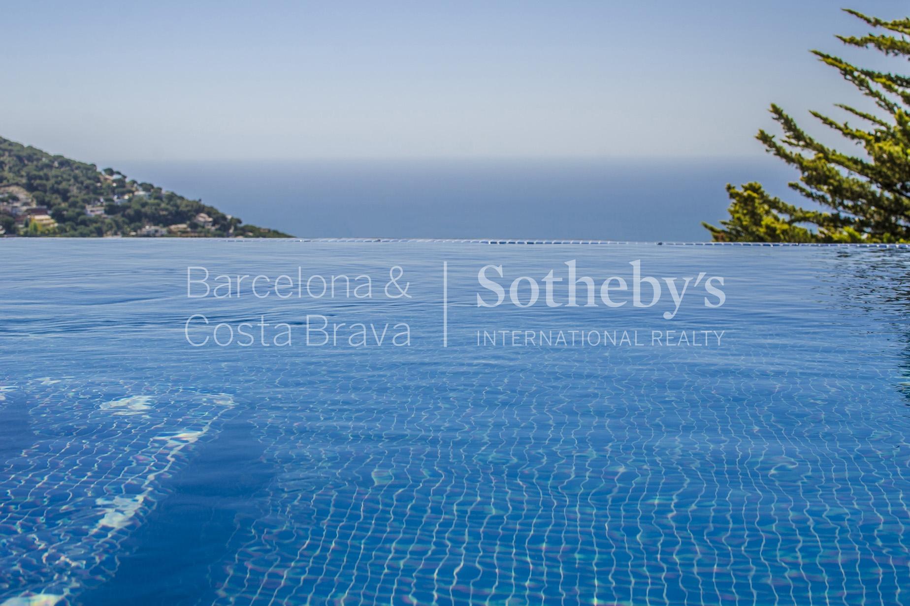 Nhà ở một gia đình vì Bán tại Modern, Functional, and Comfortable Property in Cabrils Cabrils, Barcelona 08348 Tây Ban Nha