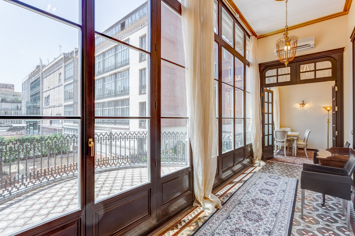 Apartment for Sale at Elegantly Crafted Boutique Apartment in Central Barcelona Eixample, Barcelona City, Barcelona 08007 Spain