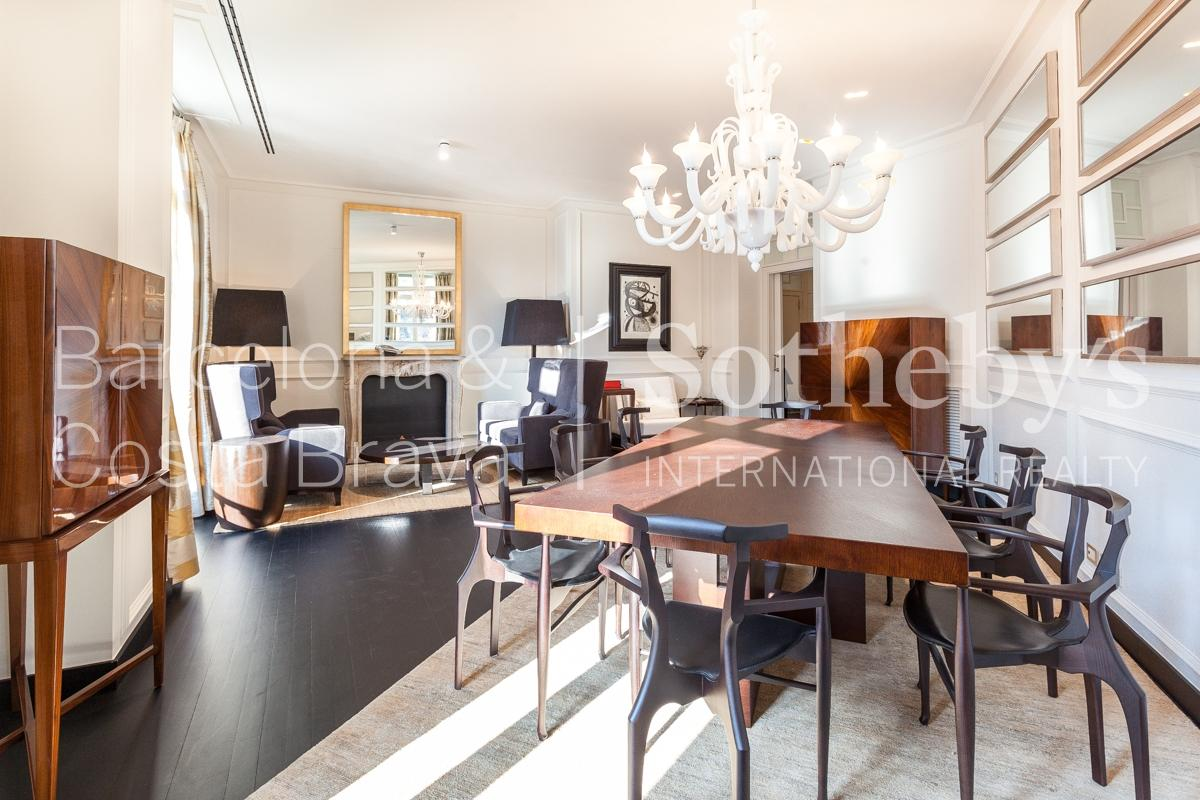 公寓 為 出售 在 Apartment in Paseo de Gracia in front of la Pedrera Eixample, Barcelona City, Barcelona 08007 西班牙