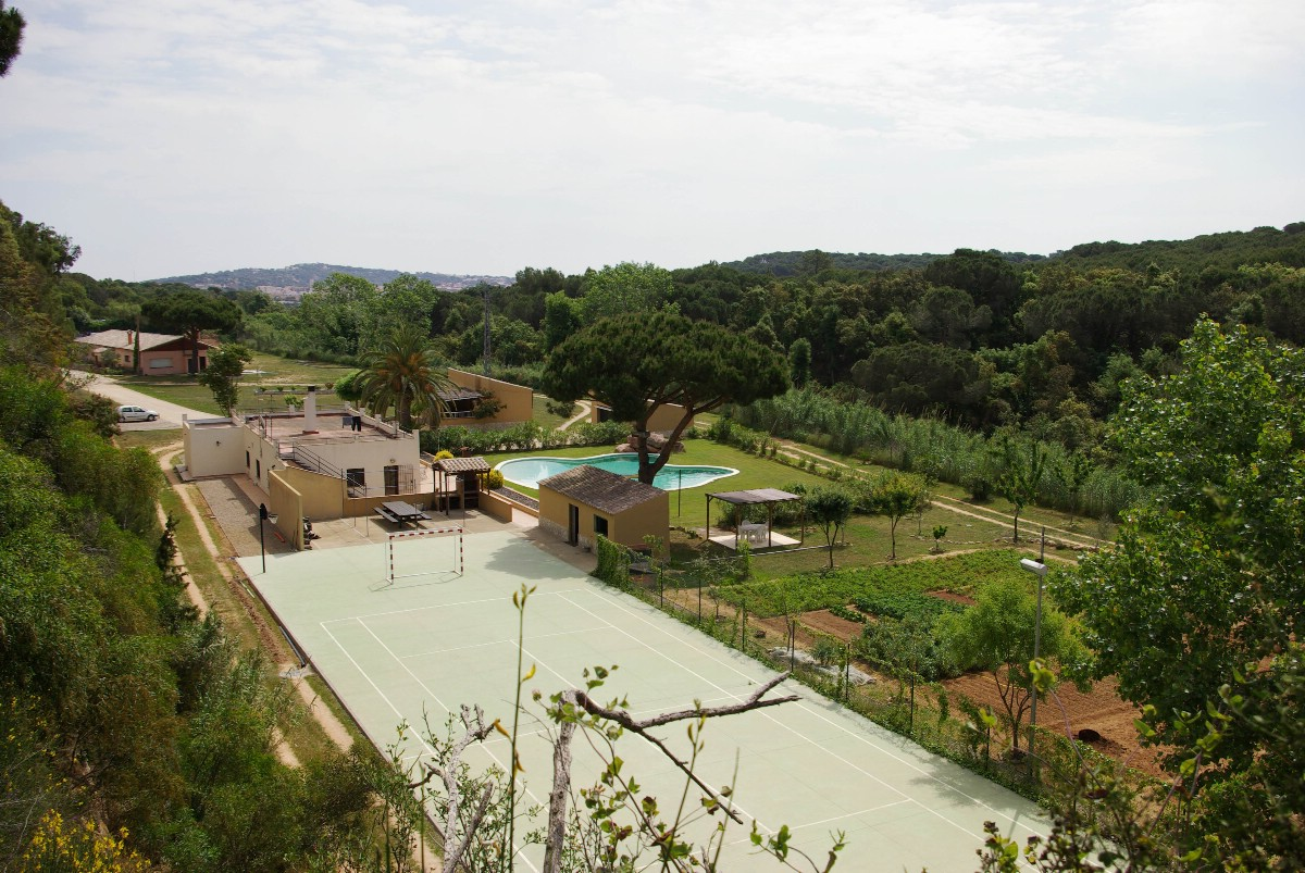 Частный односемейный дом для того Продажа на Beautiful property with great potential in Sant Feliu de Guixols Sant Feliu De Guixols, Costa Brava 17220 Испания