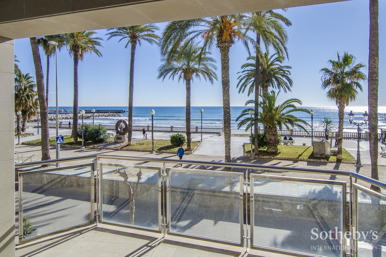 Wohnung für Verkauf beim Fantastic apartment in front of the Sitges beach Sitges, Barcelona 08870 Spanien