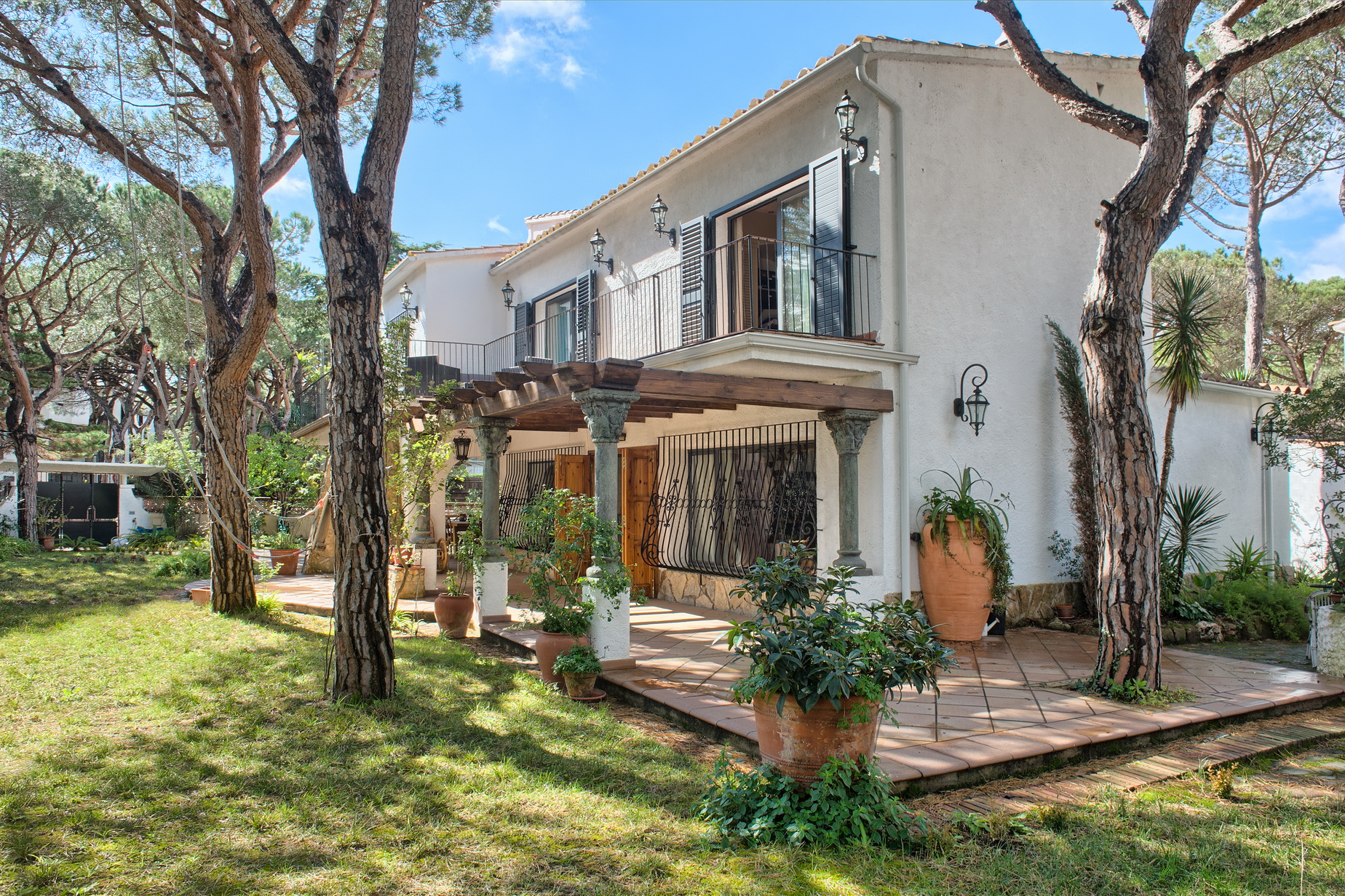 Single Family Home for Sale at Cosy rustic house near the centre of Playa de Aro Playa De Aro, Costa Brava, 17250 Spain