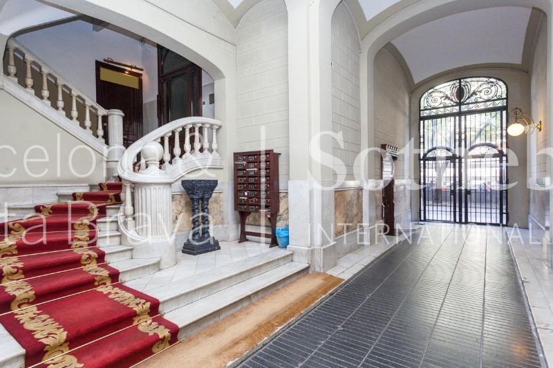 아파트 용 매매 에 Magnificent Apartment in the Classic Building in Rambla de Catalunya Eixample, Barcelona City, Barcelona 08007 스페인