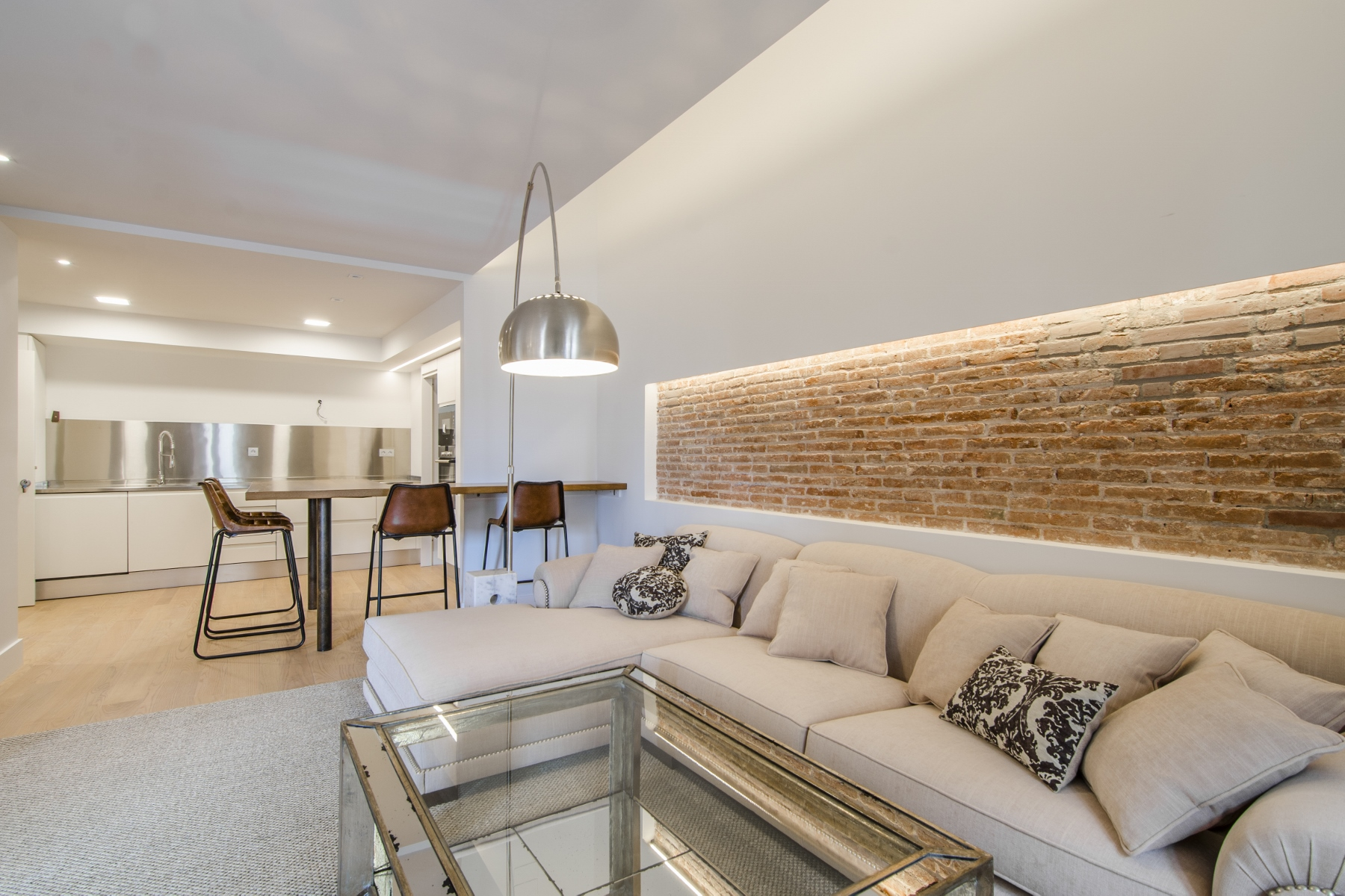 Apartment for Sale at Beautiful New Penthouse with Terraces and Views of the Cathedral Old Town Ciutat Vella, Barcelona City, Barcelona, 08002 Spain