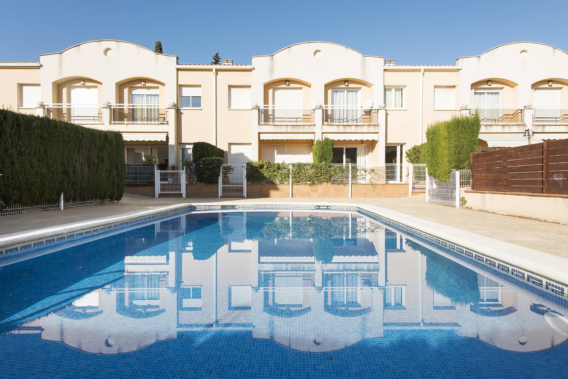 獨棟家庭住宅 為 出售 在 Terraced house a few minutes away from the beach of S'Agaró S'Agaro, Costa Brava, 17248 西班牙