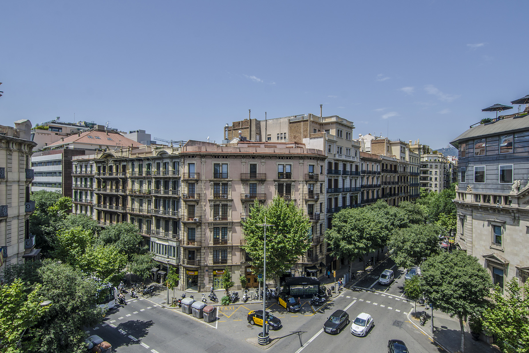Appartement pour l Vente à Magnificent Flat Only a Few Steps from Paseo de Gracia Eixample, Barcelona City, Barcelona, 08007 Espagne