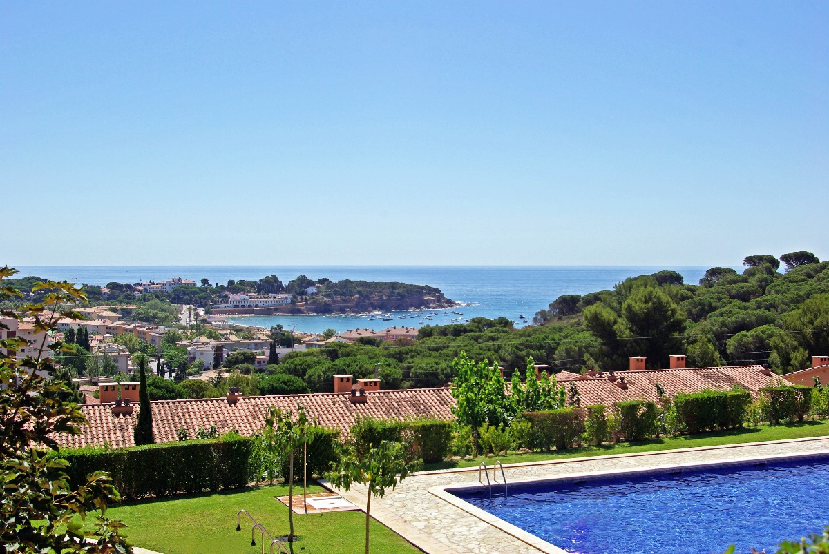 Single Family Home for Sale at Terraced house 600 meters from the beach of S'Agaró S'Agaro, Costa Brava 17248 Spain