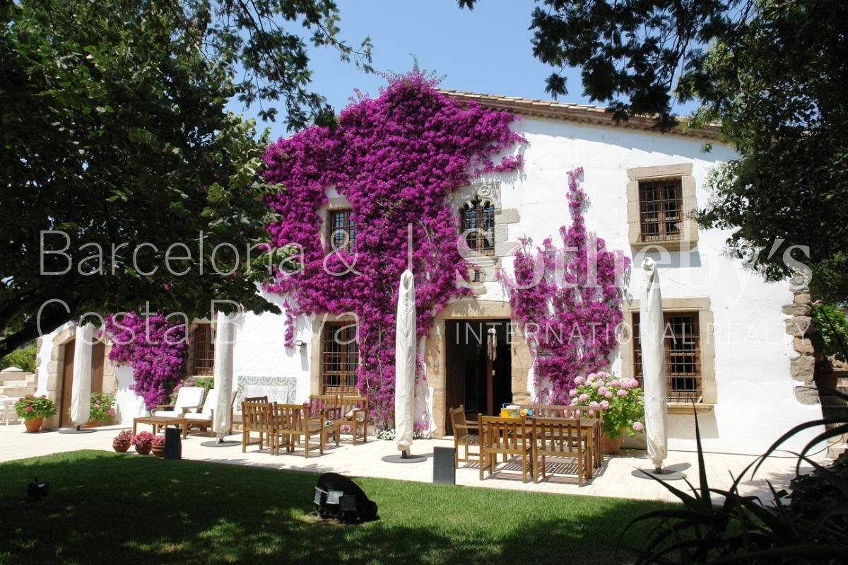 Property For Sale at Unique masia only 400m from the beach of S'Agaró