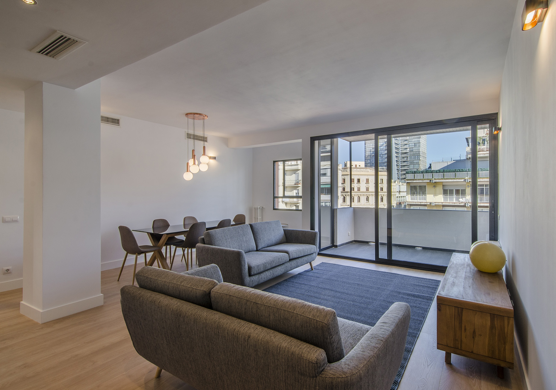 Apartamento para Venda às Superb bright and brand new flat with terrace in top location Barcelona City, Barcelona, 08034 Espanha
