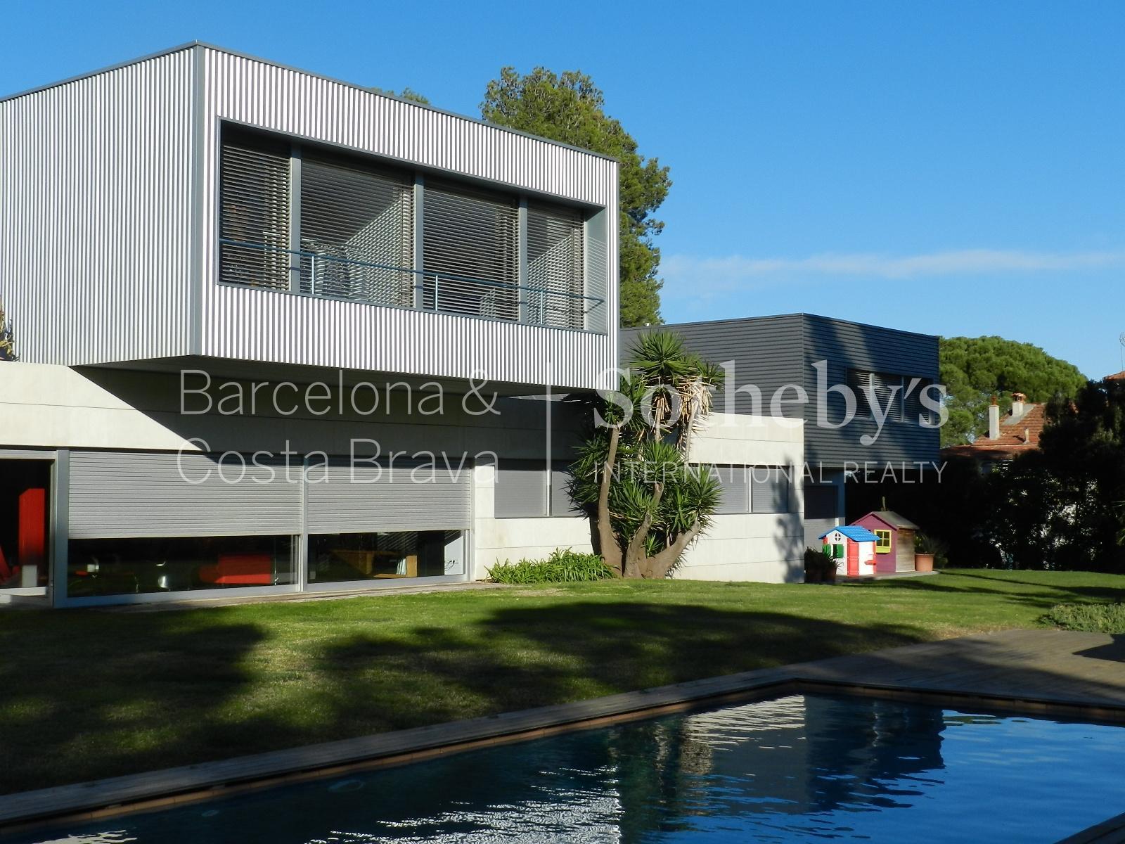 獨棟家庭住宅 為 出售 在 Large, Open, and Bright Villa Overlooking Collserola Park Sant Cugat Del Valles, Barcelona 08172 西班牙