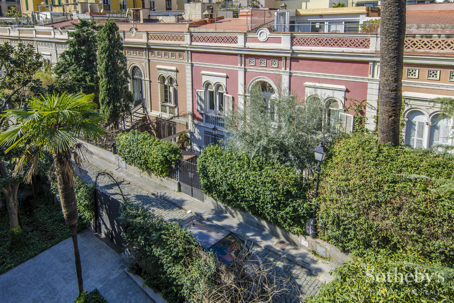 Single Family Home for Sale at Magnificent house with private garden in an exclusive passage in L'Eixample ... Eixample, Barcelona City, Barcelona 08007 Spain