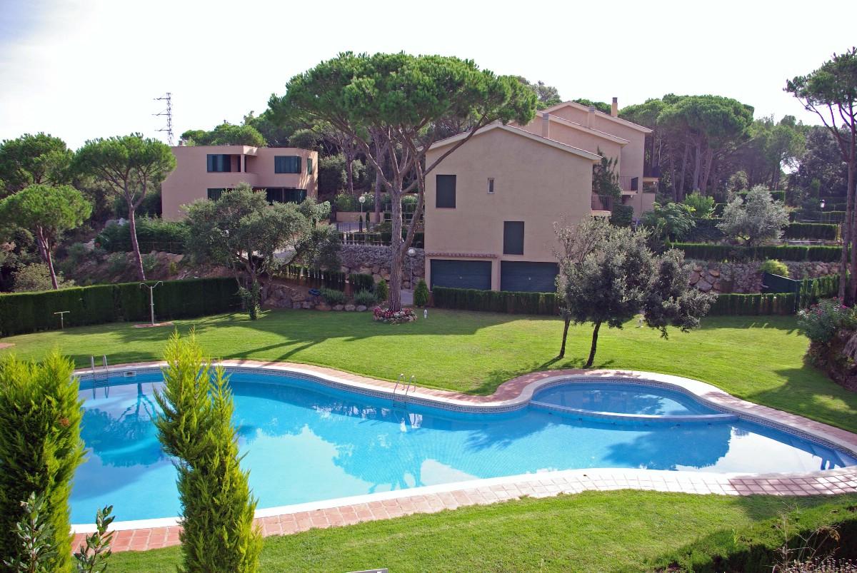 Single Family Home for Sale at Corner terraced house for sale with private garden in St.Feliu de Guíxols Sant Feliu De Guixols, Costa Brava 17220 Spain