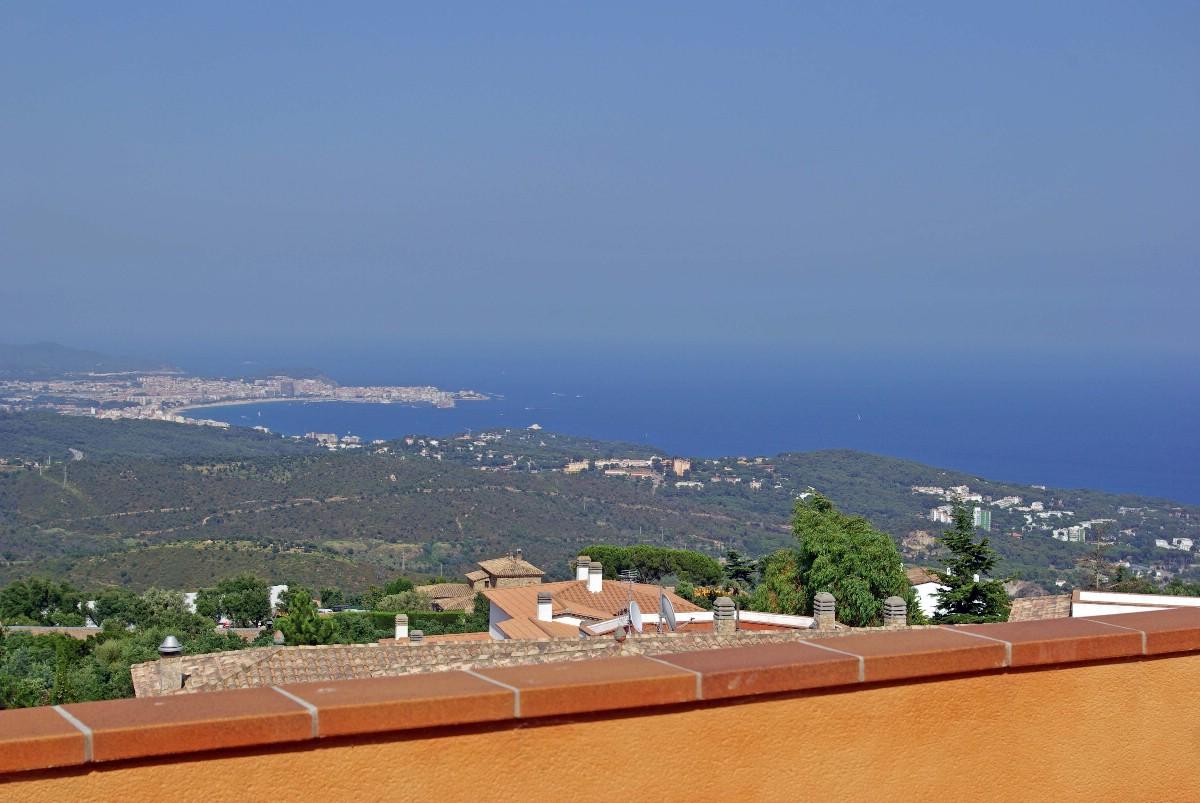 Apartamento por un Venta en Penthouse apartment for sale with panoramic sea views over Playa de Aro Playa De Aro, Costa Brava, 17250 España
