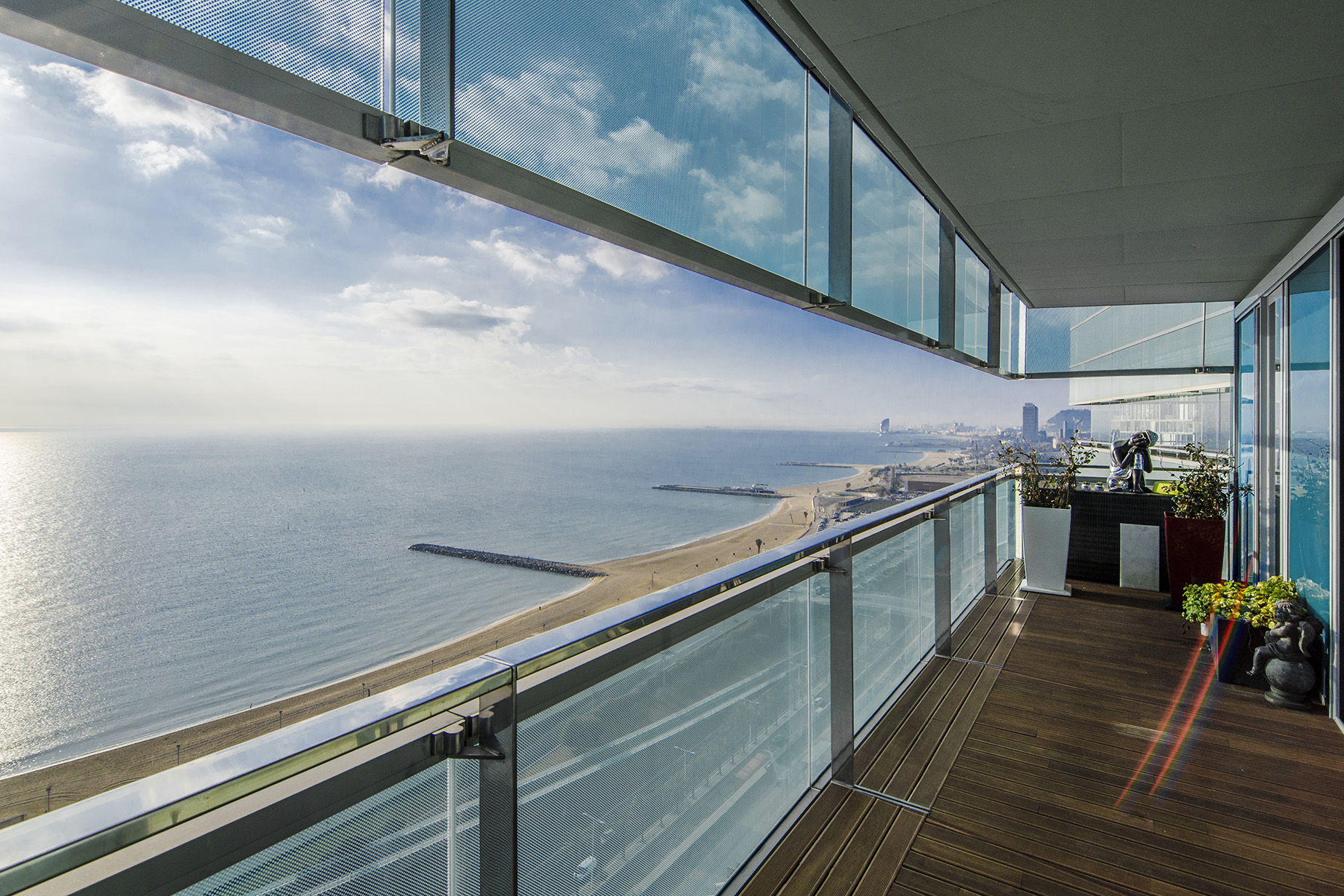 Appartement pour l Vente à Exclusive Seafront Apartment with excellent views to the sea and the city of ... Diagonal Mar, Barcelona City, Barcelona, 08019 Espagne