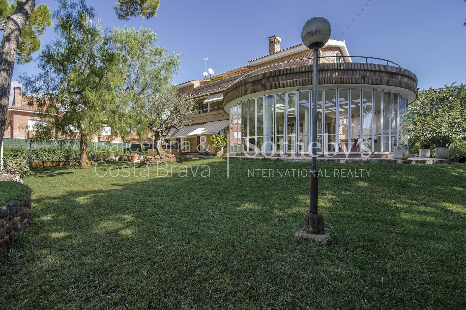 단독 가정 주택 용 매매 에 Spectacular Property Few Meters From the Sea in Castelldefels Castelldefels, Barcelona 08866 스페인