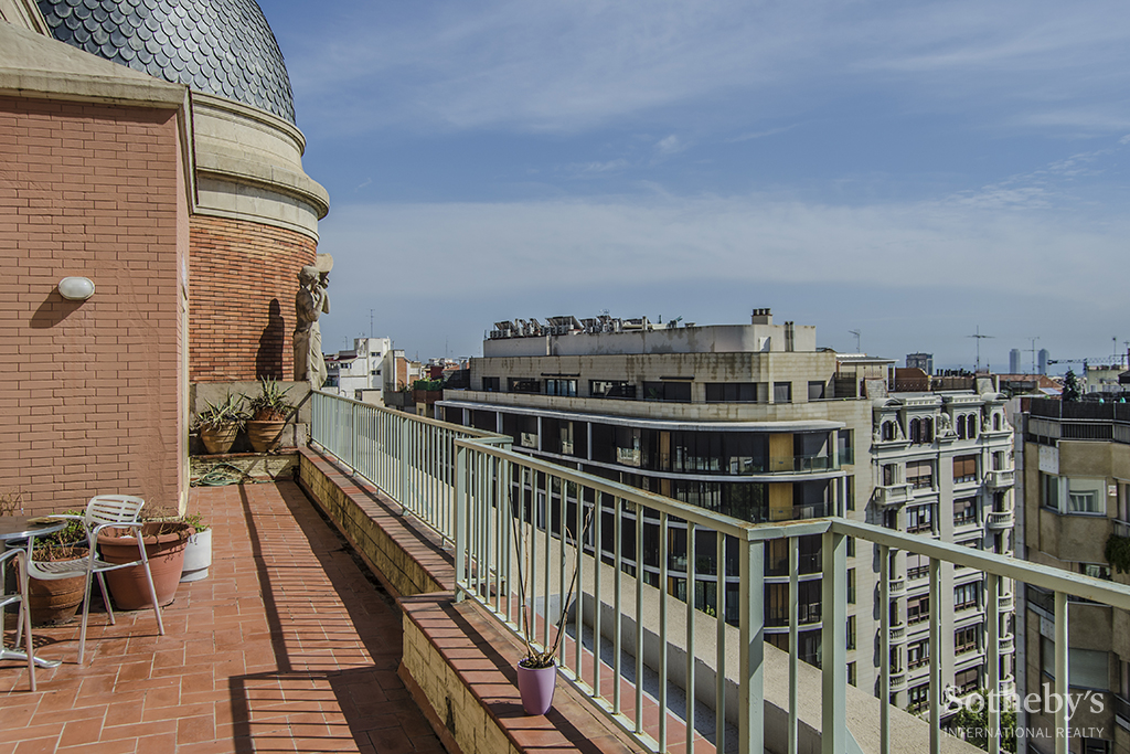 公寓 为 销售 在 Impressive Duplex Penthouse with Terraces and Excellent Views Zona Alta, Barcelona City, Barcelona 08034 西班牙