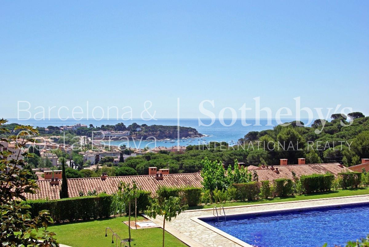 단독 가정 주택 용 매매 에 Terraced house 600 meters from the beach of S'Agaró S'Agaro, Costa Brava 17248 스페인