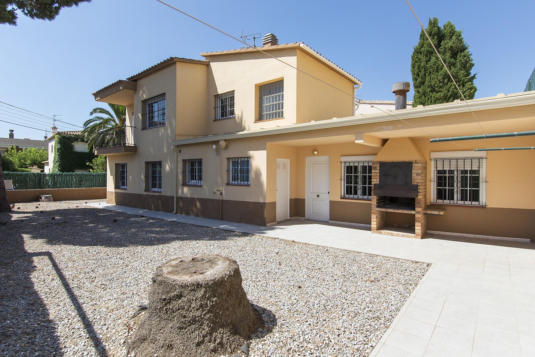 Vivienda unifamiliar por un Venta en House 600 metres from the beach in Playa de Aro Playa De Aro, Costa Brava, 17250 España