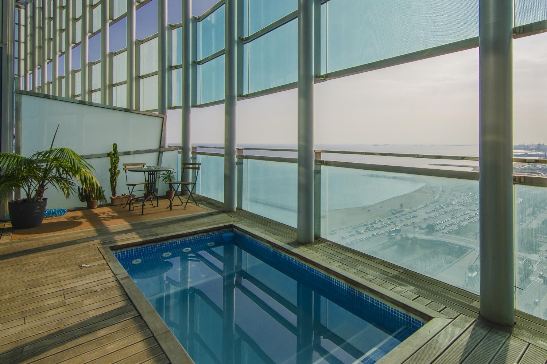 Appartement pour l Vente à Luxury Duplex Penthouse in the Exclusive Illa del Mar in Diagonal Mar, Barcelona Diagonal Mar, Barcelona City, Barcelona 08019 Espagne
