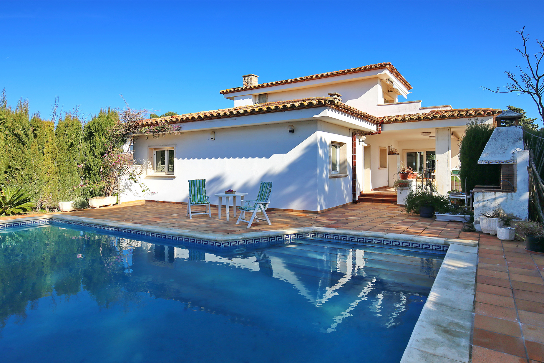 Single Family Home for Sale at Very nice house in L'Escala L Escala, Costa Brava, 17130 Spain