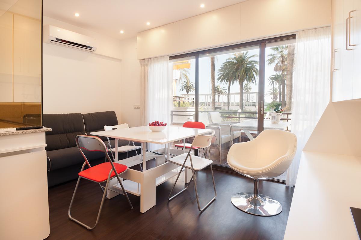 Appartamento per Vendita alle ore Frontline Design Apartment Sitges, Barcellona, 08870 Spagna