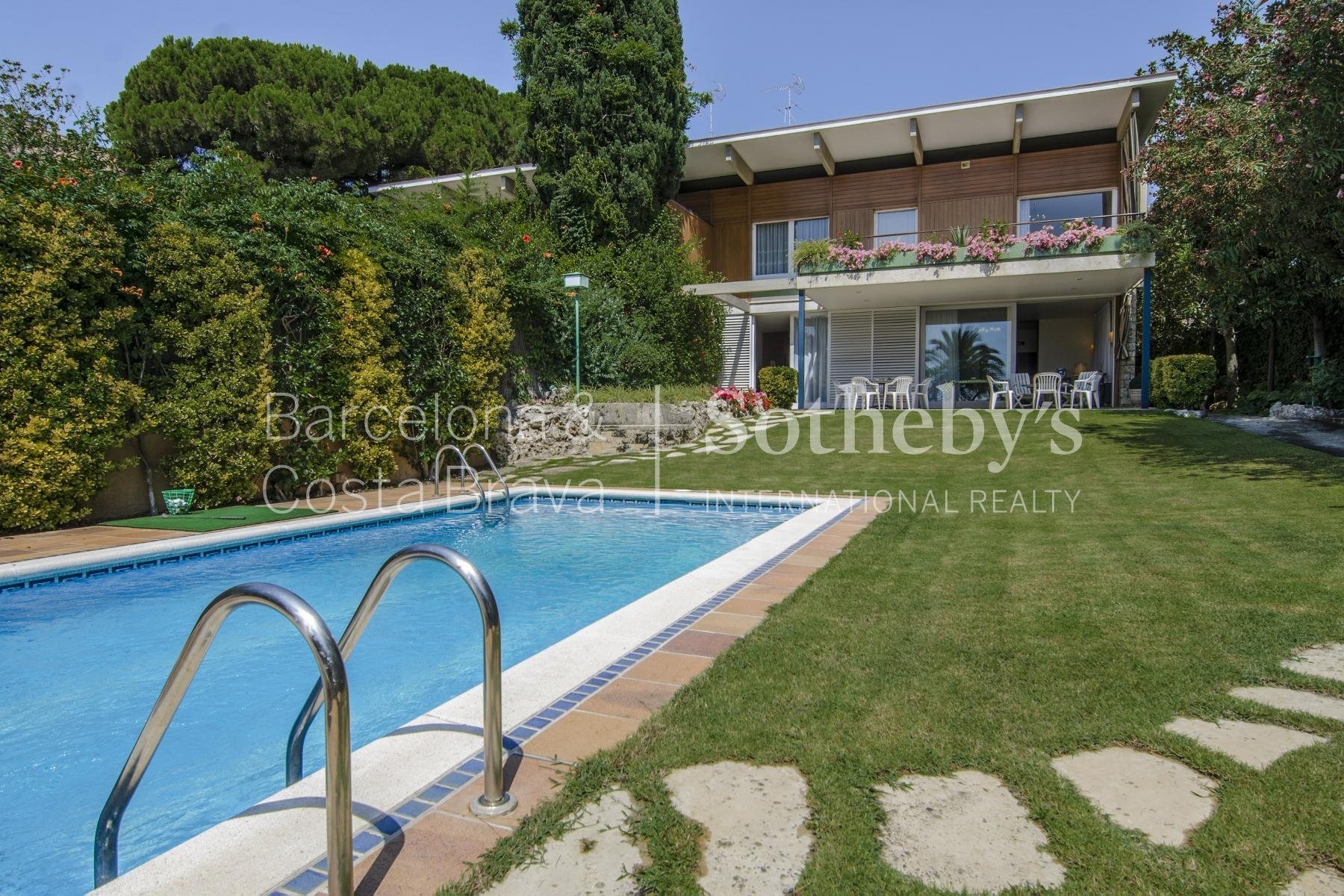 단독 가정 주택 용 매매 에 Exclusive Seafront House for Sale in Caldes d'Estrac Sant Andreu De Llavaneres, Barcelona 08392 스페인
