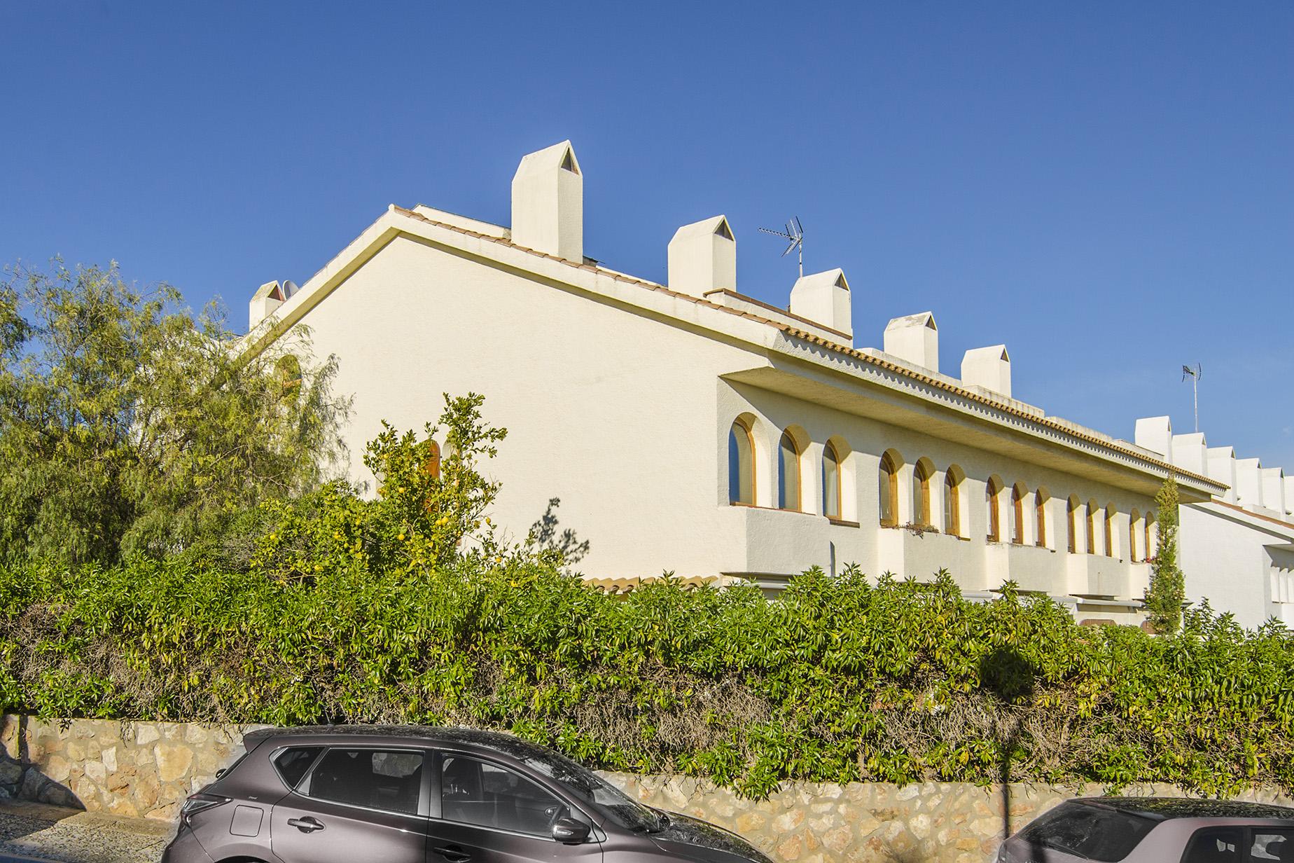 단독 가정 주택 용 매매 에 Semi-detached house in the first sea line Sitges, Barcelona, 08870 스페인