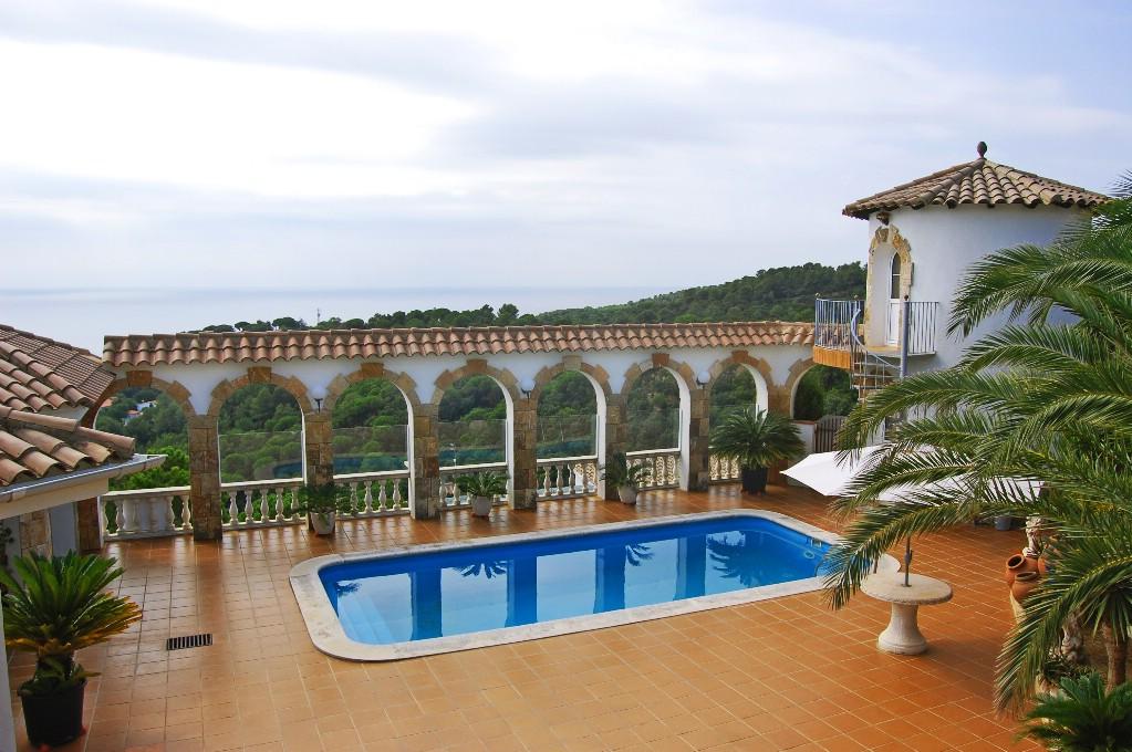 """단독 가정 주택 용 매매 에 """"Mediterranean Pearl"""" with front sea views Tossa De Mar, Costa Brava 17320 스페인"""